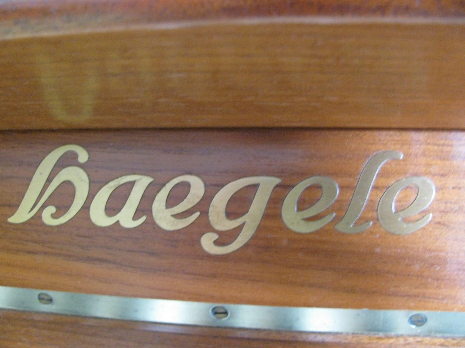 Haegele Klavier (warburg)